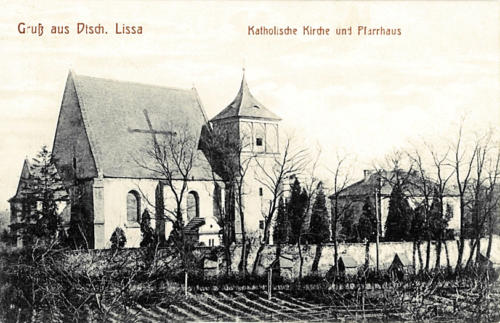 28 Gruss aus Dtsch. Lissa. Katholische Kirche und Pfarrhaus.